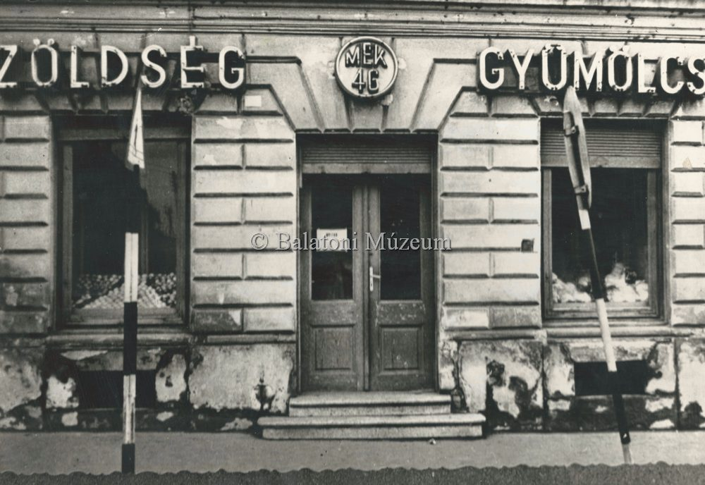 64d7558cf7 Magyar Nemzeti Digitális Archívum • Zöldség-gyümölcs üzlet portálja ...