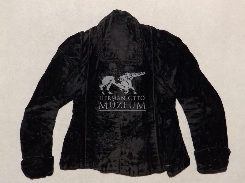 Magyar Nemzeti Digitális Archívum • Kabát, női kabát