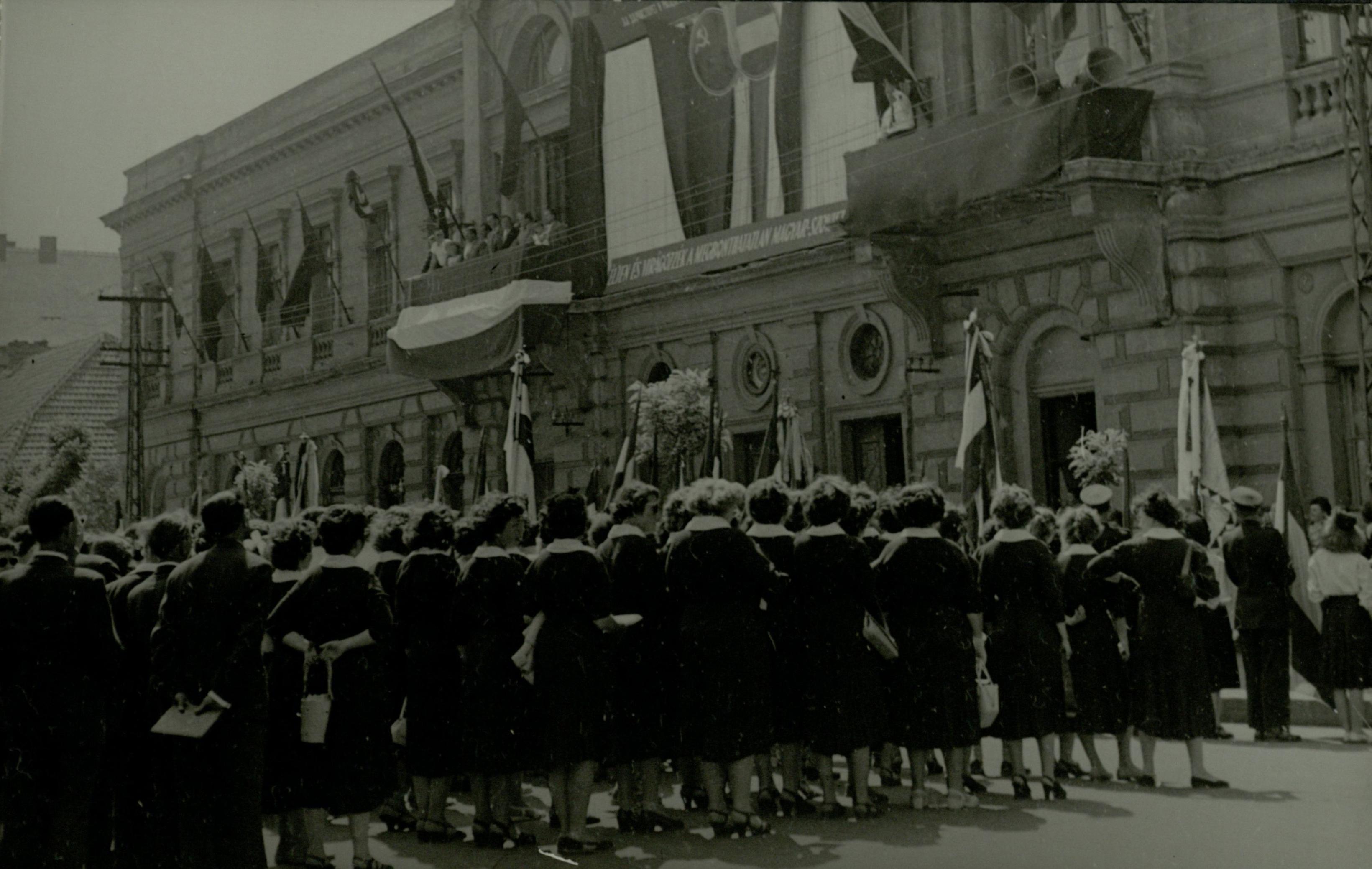 Szolnok Kossuth tér 1958.06.01.