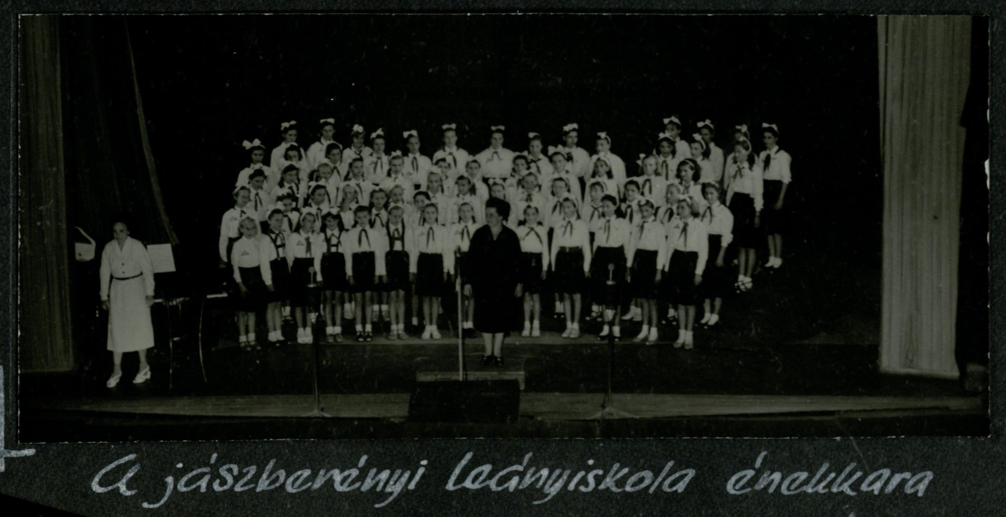 jászberényi leányiskola énekkara 1958