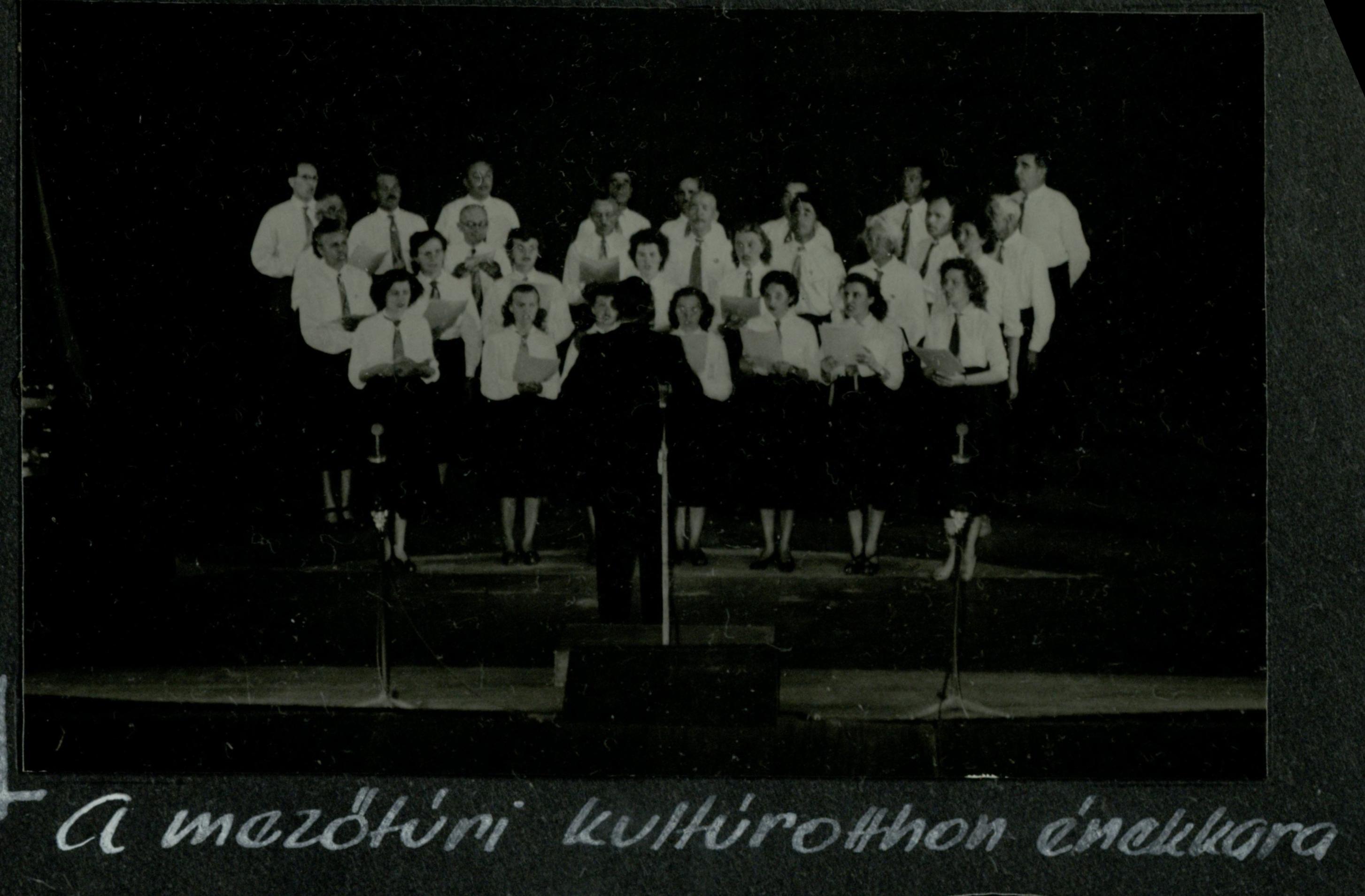Mezőtúri kultúrotthon énekkara 1958
