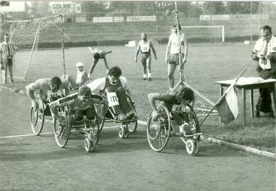 Tolókocsis sportolók verseny