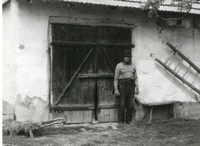 Tóbiás Lajos-tanyáján(Kenyerepart)