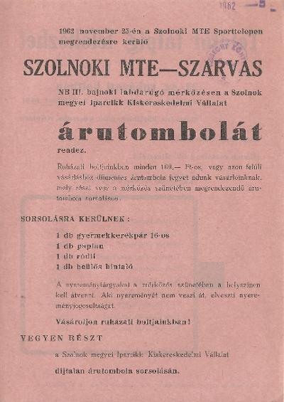 Árutombola a Szolnoki MTE - Szarvas NB III. bajnoki labdarúgó mérkőzés szünetében