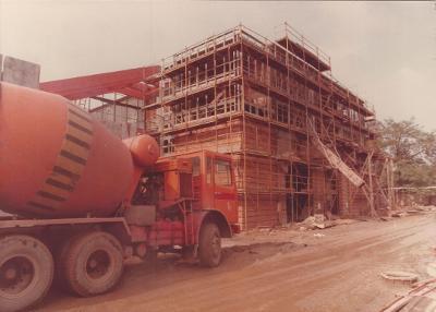 Az 1979-1985 között épült Szolnoki Papírgyár. IV. papírgép új anyagelőkészítője