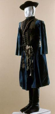 4b8658745b Hortobágyi csikós viselet, kék vászon ing, gatya, zsinóros mellény,  dohányzacskó, kiállítási