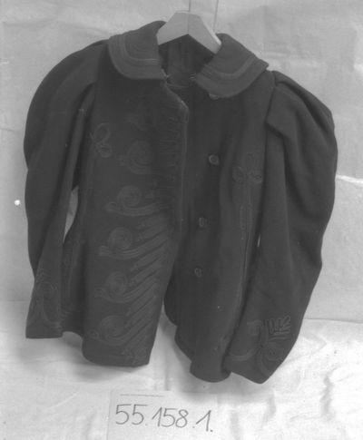 Magyar Nemzeti Digitális Archívum • Női kabát