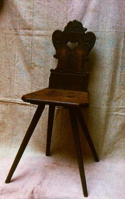Magyar Nemzeti Digitális Archívum • Bűvös szék