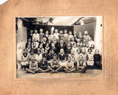 Ambrus Sándor és tanulói 1936-ban 6031, 4403, 5858, 4239